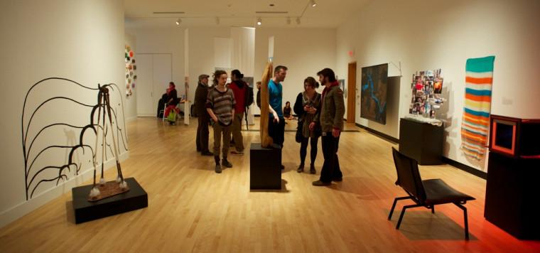 Exposition des finissantes et finissants du certificat en arts visuels, à la Galerie d'art du Centre culturel du 18 avril au 1er juin 2013.