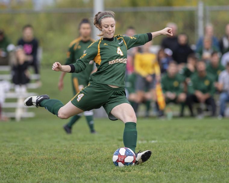 Soccer féminin extérieur pendant la saison 2019-2020