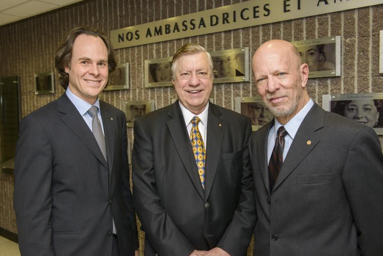 Le doyen Sébastien Lebel-Grenier en compagnie des ambassadeurs 2013, Me Louis-Paul Allard et Me Luc LaRochelle.