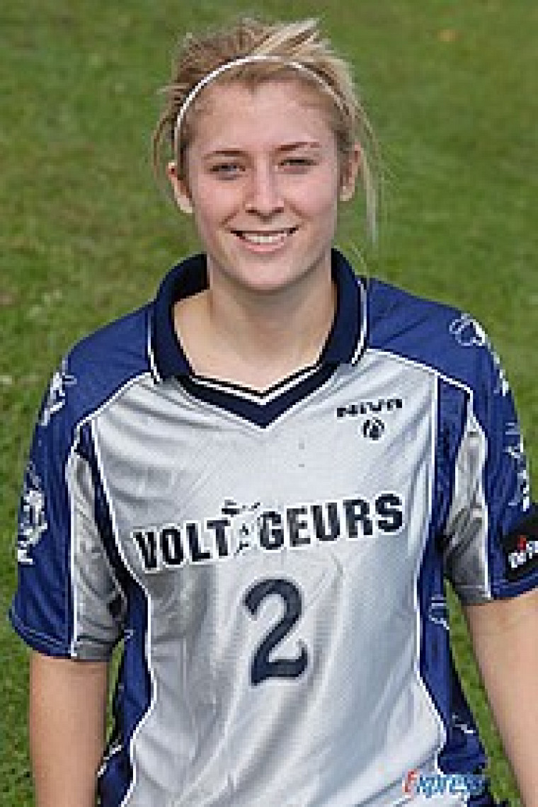 Athlète féminine par excellence en 2008-2009 au Cégep de Drummondville, Chloé Belhumeur-Limoges a fait la pluie et le beau temps l'automne dernier au sein de la Ligue de soccer collégiale AA du Québec.
