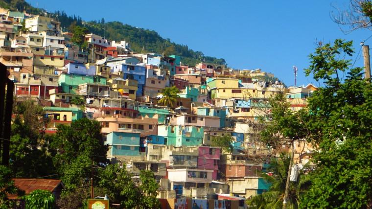 «Port-au-Prince se montre particulièrement colorée grâce à ses habitations peintes avec toutes sortes de couleurs», rapporte Ariane Grenier, étudiante au baccalauréat-maîtrise en ergothérapie.