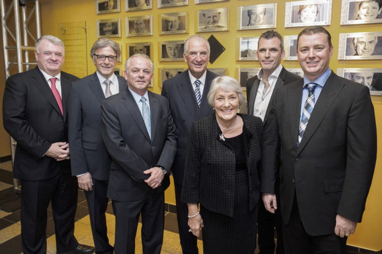 Normand Legault, Denis-Robert Élias, Guy Pelletier, Laurent Beaudoin, Claire B. Beaudoin, Benoît de Villiers et Martin Tremblay.
