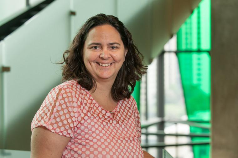 La professeure-chercheuse Karine Bertrand dirigera les travaux de la nouvelle Chairede recherche sur le genre et l'intervention en dépendance.