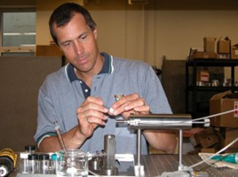Martin Brouillette pourrait faire progresser grandement la vaccination conventionnelle en développant une seringue sans aiguille.
