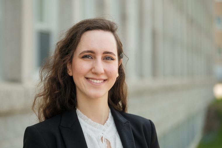 Souheila Hassoun, doctorante en mathématiques