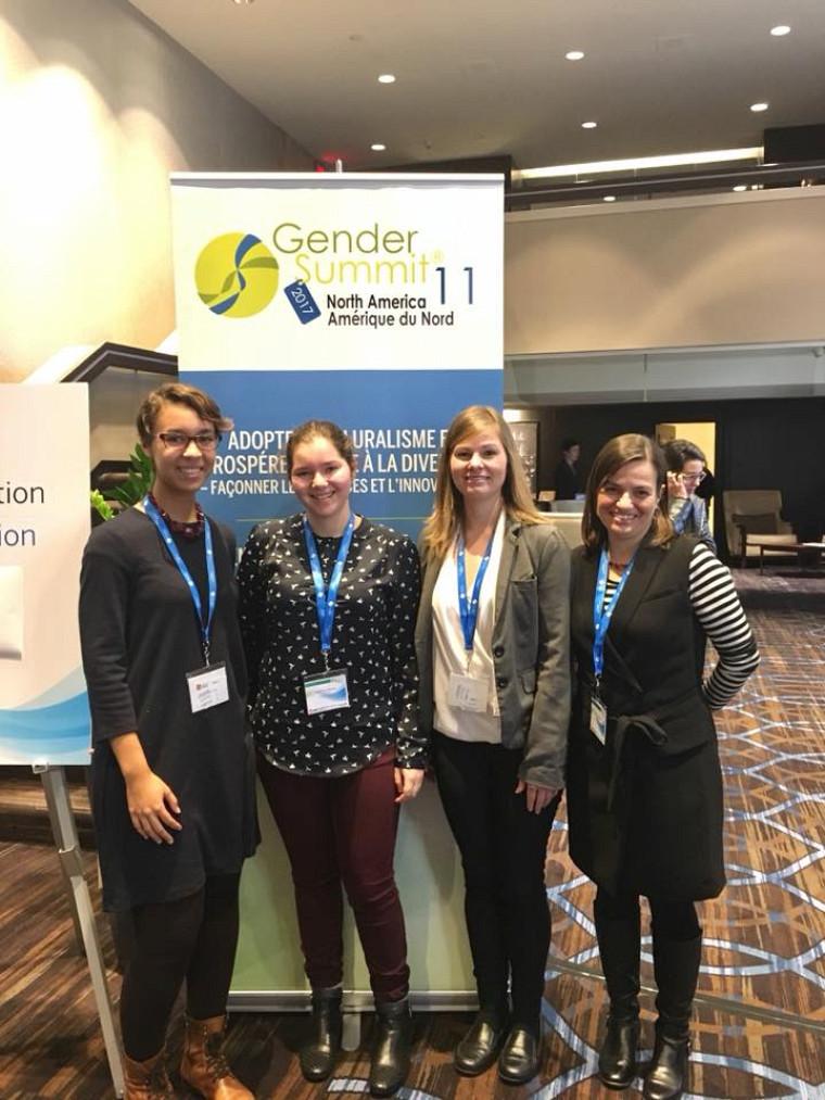 Les trois invitées de la Chaire pour les femmes en sciences et en génie accompagnées de la professeure Ève Langelier au Gender Summit.