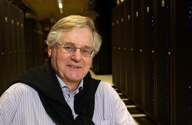 André D. Bandrauk, professeur à la Faculté des sciences