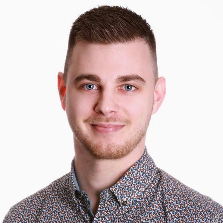 Michael Simard est un étudiant de quatrième année en génie robotique. Il effectue son troisième stage chez MDA.