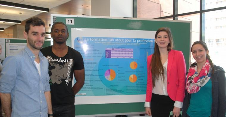 Les différentes équipes ont présenté le fruit de leur travail à l'aide d'affiches scientifiques.