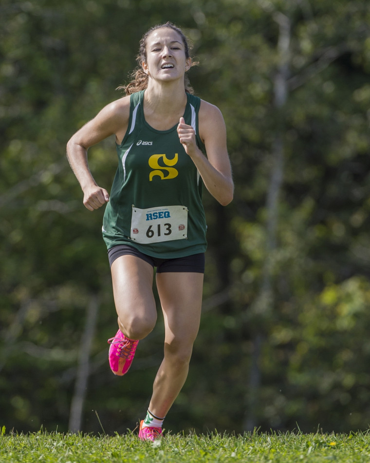 Gabrielle Desharnais-Préfontaine a puisé au fond de ses réserves pour conclure l'épreuve du 5 km féminin est première place.