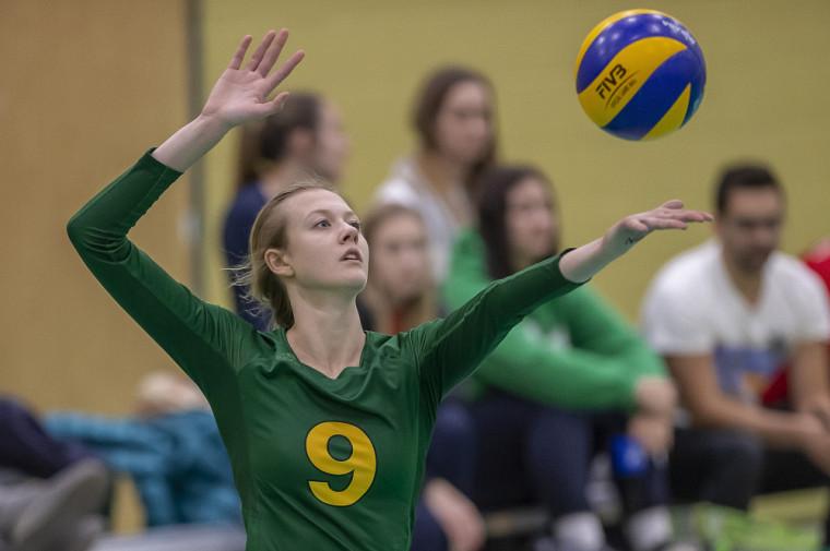 La recrue au sein du circuit universitaire provincial de volleyball féminin en 2019-2020 est la joueuse de centre du Vert & Or Marianne Boucher.