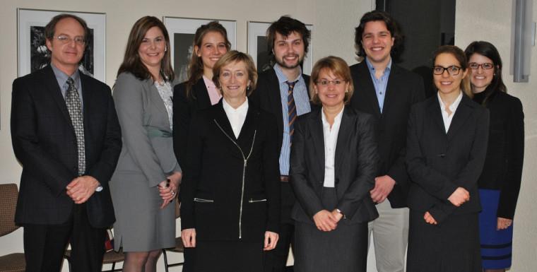 Les membres du jury en compagnie des quatre participants.