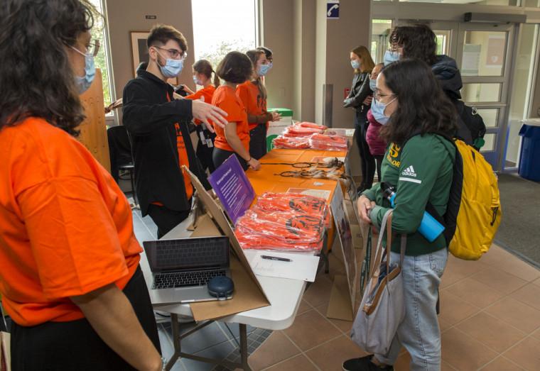 LeGroupe d'intérêt en santé autochtone sensibilise les étudiantes et les étudiants aux enjeux de santé des Premières Nations et Inuits du Québec.