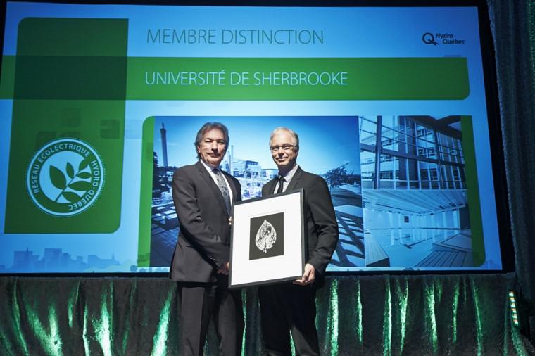 Daniel Richard, président d'Hydro-Québec Distribution, et Michel Parent, directeur général du Service des immeubles de l'Université.