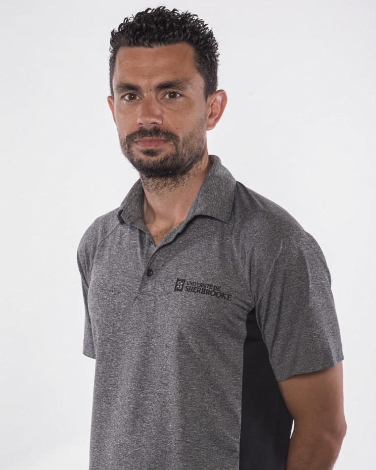 L'entraîneur Tony Perrier.