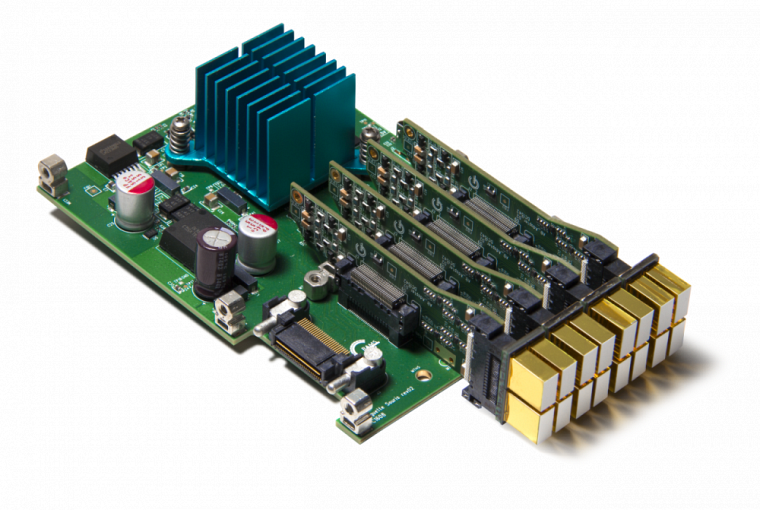 Les circuits électroniques sont l'élément principal sur lequel oeuvre Caroline Paulin.