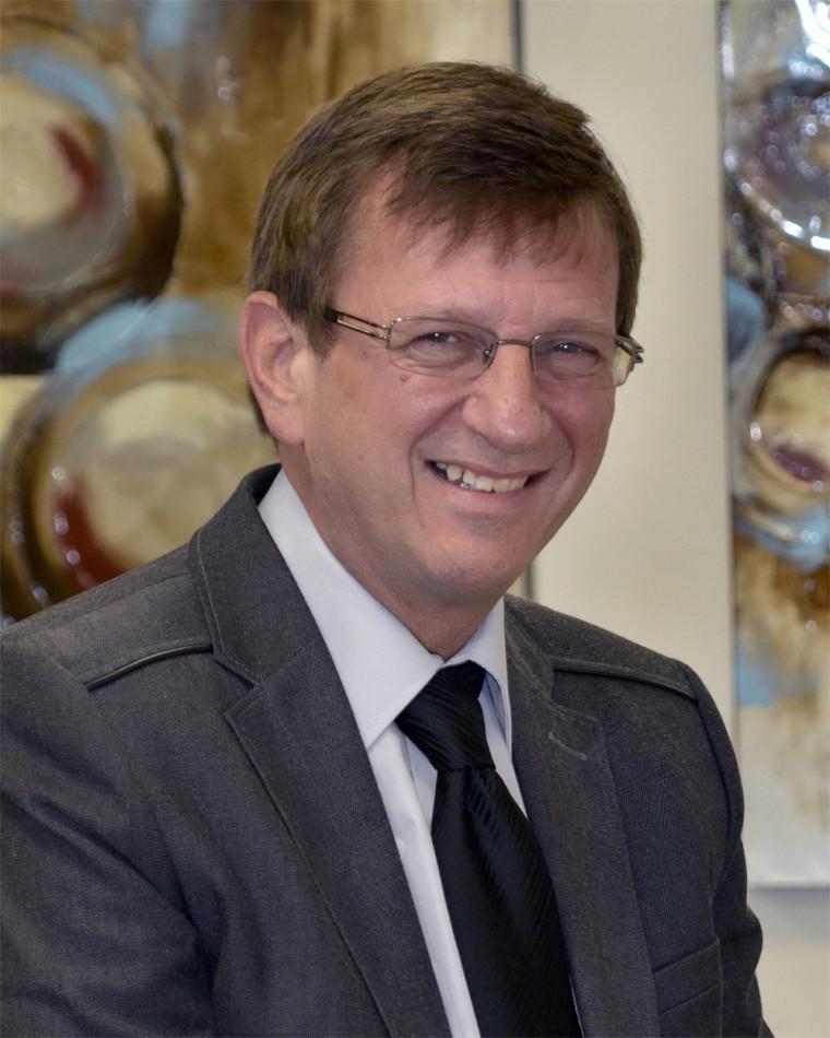 Aurel Schofield, professeur et doyen associé pour le site de Moncton
