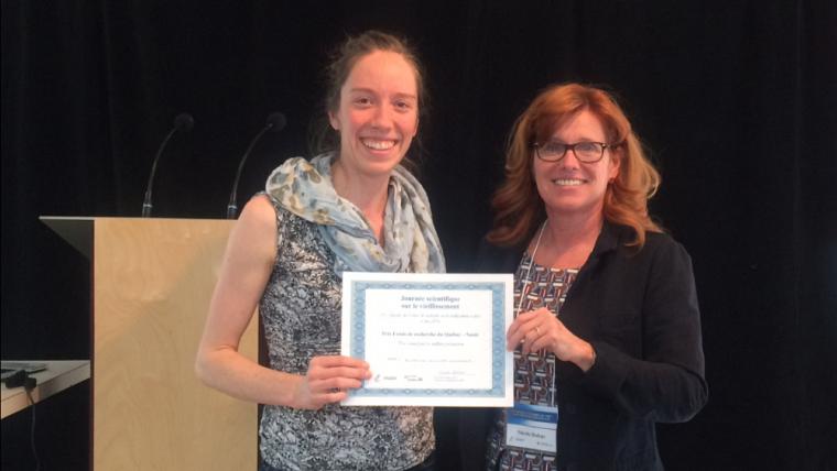 Katherine Boisvert-Vigneault (à gauche), en compagnie de Nicole Dubuc, directrice du Centre de recherche sur le vieillissement