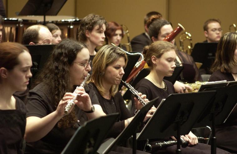Plus de 100 musiciens seront réunis sur scène pour la Symphonie des chants,œuvre majeure du compositeur hollandais contemporain Johan de Meij.