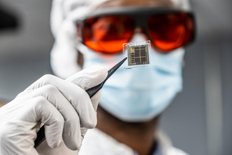 Une des cellules solaires conçues au 3IT.