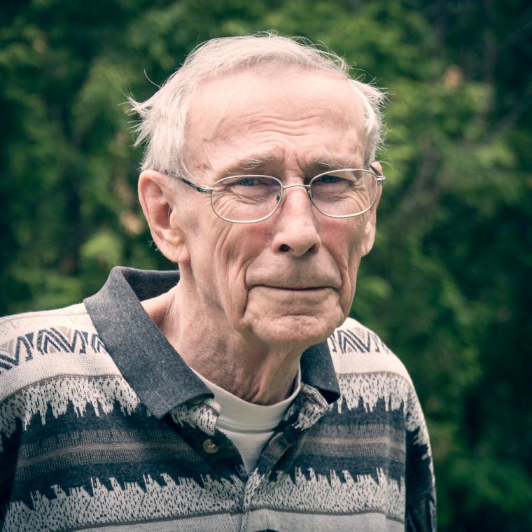 Douglas G. Jones, professeur émérite de l'Université de Sherbrooke