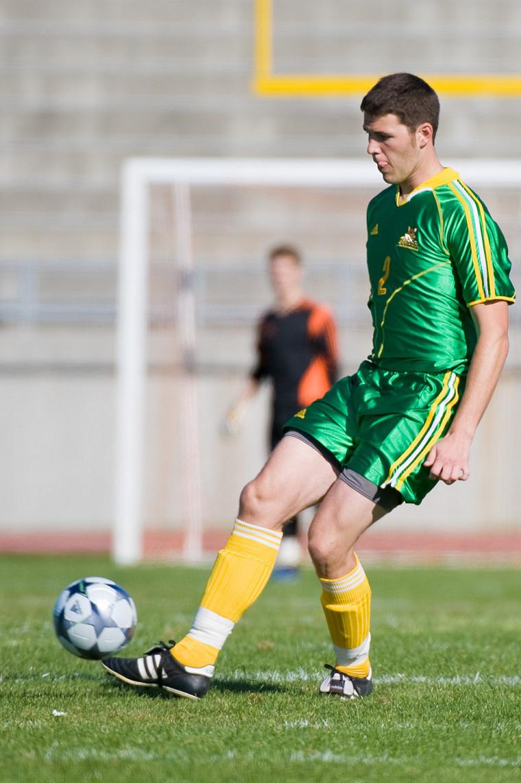 Malgré le bon travail du défenseur Guillaume Leblanc, le Vert & Or s'est incliné 1-0 face aux Redmen de McGill.
