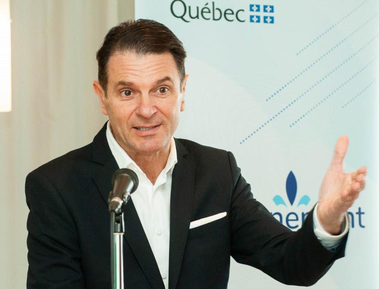 Le ministre des Transports et ministre responsable de la région de l'Estrie, François Bonnardel.