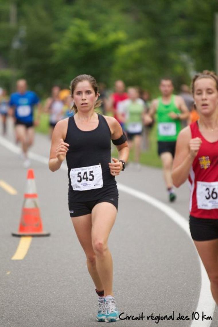 Marie-Soleil Samson a complété le parcours de 21,1 km en un temps d'une heure, 24 minutes et 39 secondes.