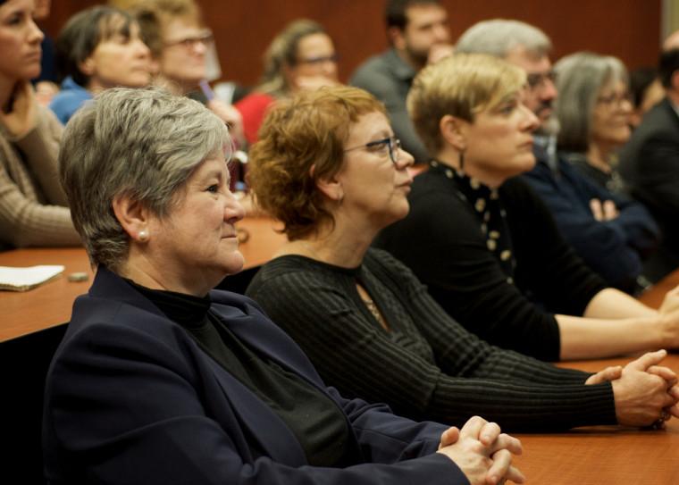 La professeure Suzanne Garon, la directrice Monique Harvey et Mélisa Audet, coordonnatrice