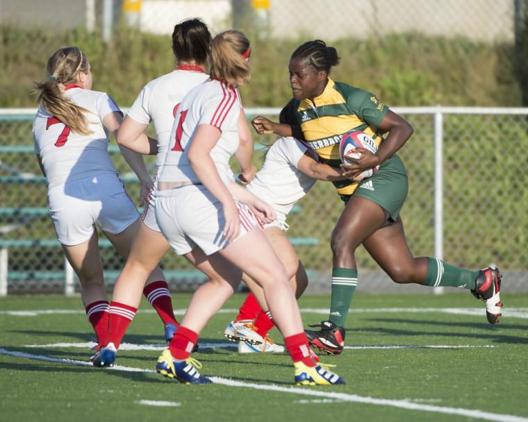 Les joueuses de rugby du Vert&Or se sont inclinées 42à15 face au Rouge et Or de l'Université Laval samedi à Québec, après un excellent début de match.