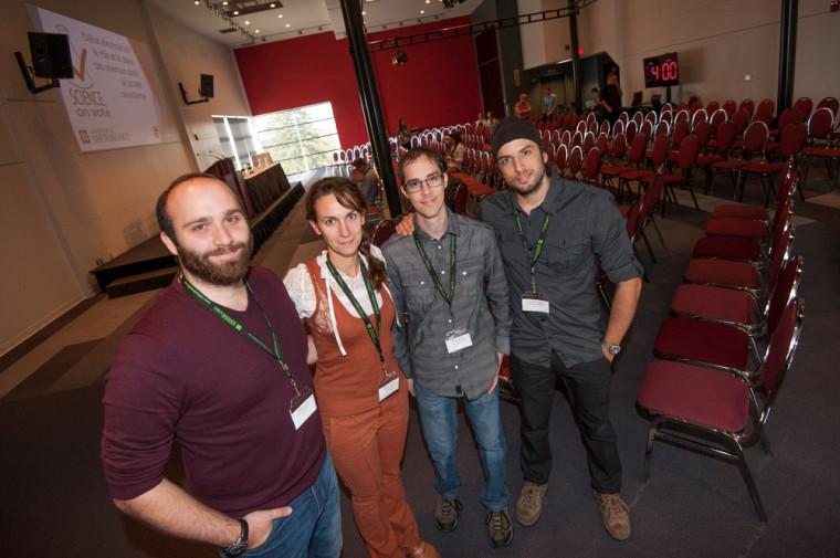 De gauche à droite : Alexis Reymbaut, Émilie Lefol, Vincent Ducharme etGabriel B. Théberge, organisateurs de l'événement.