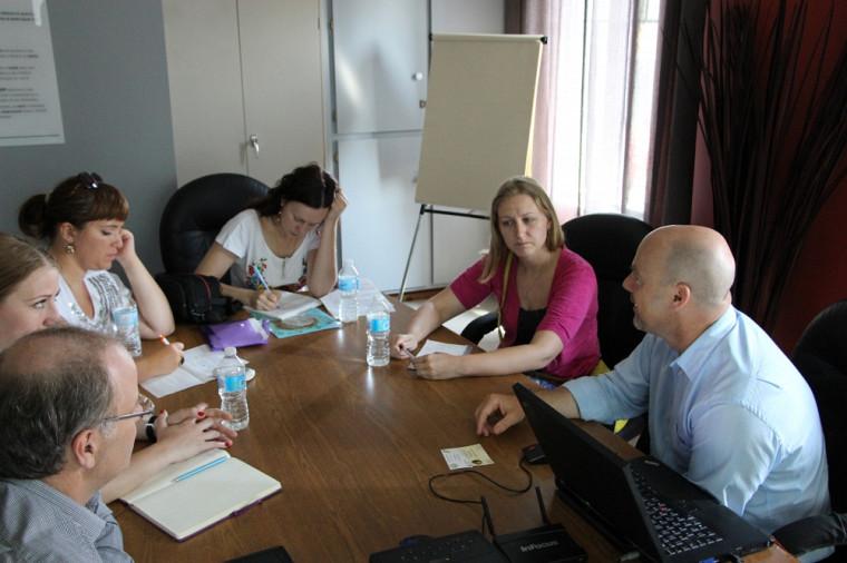 Session d'études sur les modèles de coopératives canadiennes avec les représentants de l'Ukraine.