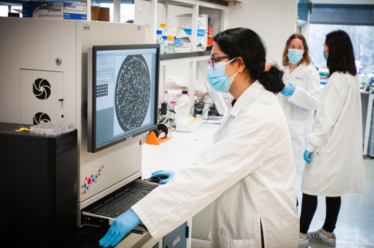 Grâce à un montant de 500000$ récemment reçu de la Société canadienne du cancer, la professeure Tai et son équipe continueront d'améliorer le vaccin au cours des cinq prochaines années.