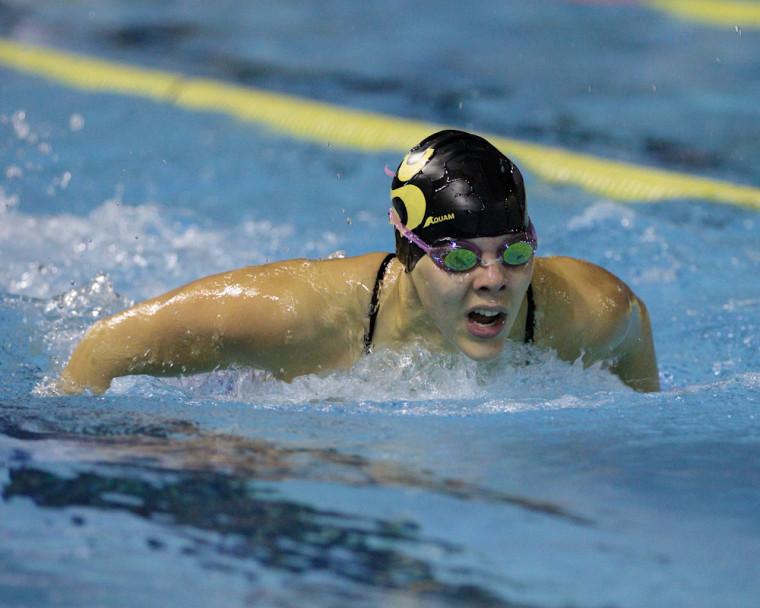 Isabelle Chaput a pulvérisé trois records du Vert&Or en fin de semaine à l'Invitation provinciale Dernière chance du Club de natation de Laval.