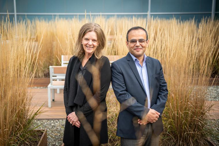 La Pre Susan Reid, de l'Université Bishop's, et le Pr Bessam Abdulrazak, de l'UdeS, travaillent sur des projets de recherche conjointement.