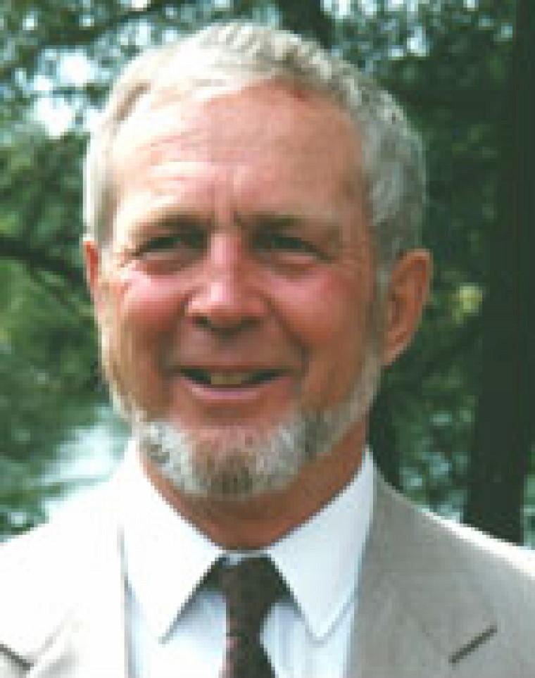 Louis Valcke, professeur émérite de l'Université de Sherbrooke en lettres et sciences humaines