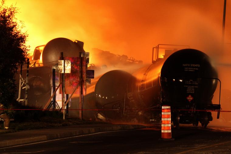 Les pompiers ont combattu l'incendie durant quatre jours, tandis que le tiers de la population de la localité était évacuée.
