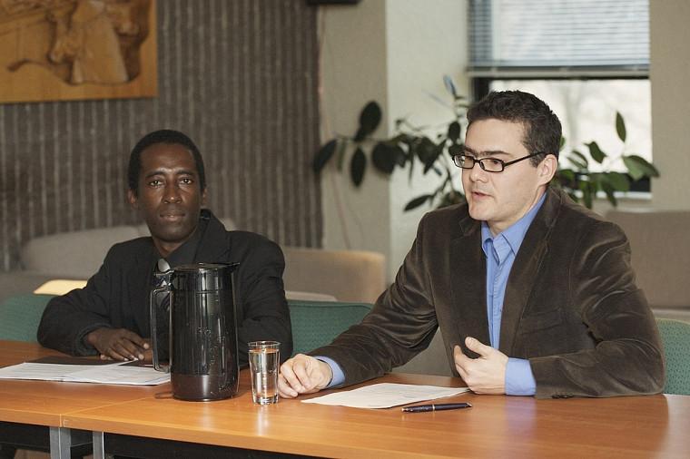 Le professeur haïtien Alain Guillaume et Mathieu Devinat, professeur à la Faculté de droit de l'Université de Sherbrooke