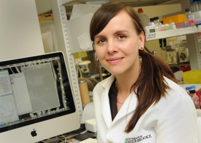 La stagiaire postdoctorale travaille à développer un inhibiteur pour l'enzyme PCSK9 qui pourrait régulariser l'hypercholestérolémie.