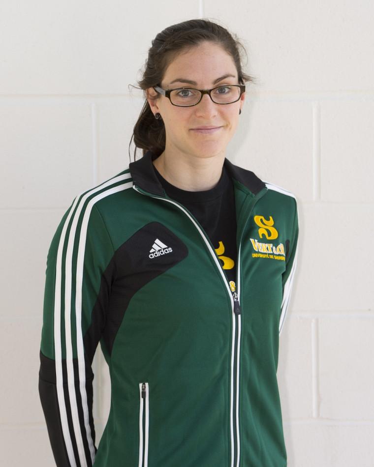 Alexandra Naisby a obtenu deux médailles de bronze vendredi soir à la 4eCoupe universitaire de natation à Québec.
