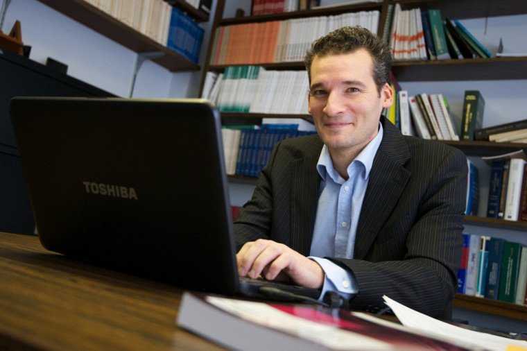Le professeur Patrick Mignaulttravaille sur les régimes de retraite.