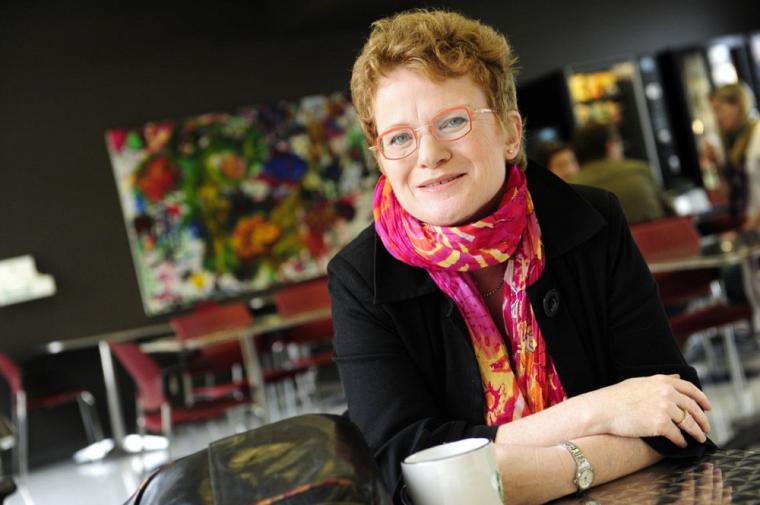 Marie Beaulieu est professeure à l'École de travail social de la Faculté des lettres et sciences humaines