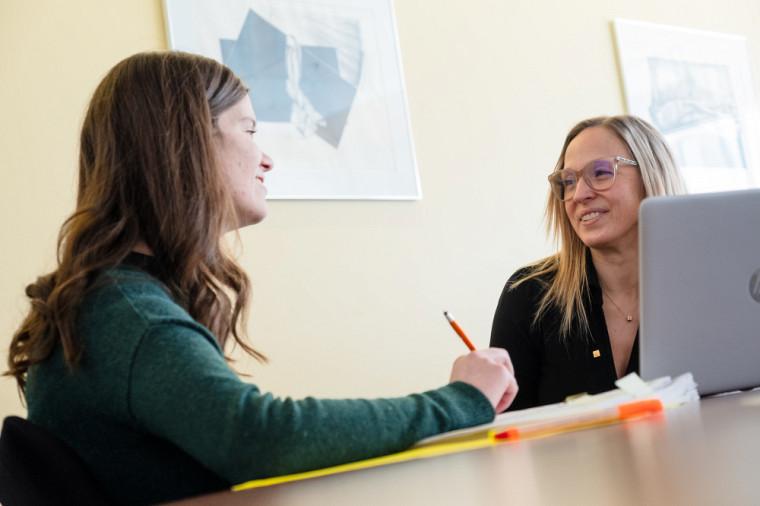 Les comités de mentorat aux études supérieures à l'UdeS proposent un encadrement personnalisé qui prend en compte l'ensemble des aspects de la formation universitaire.