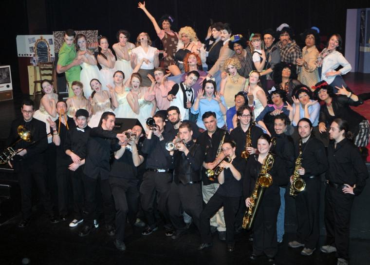 La troupe Broadway FMSS lors de la répétition générale le 19février