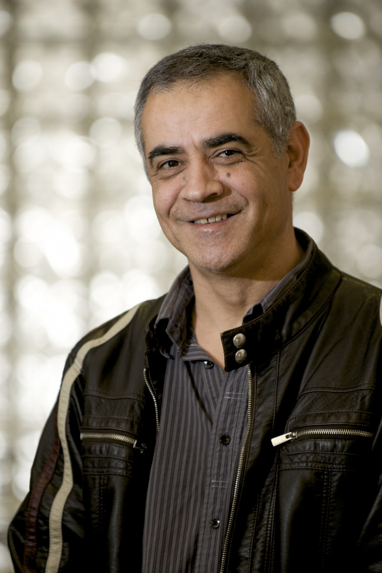 Le professeur Djemel Ziou, titulaire de la Chaire CRSNG-Bell Canada en imagerie numérique personnelle.