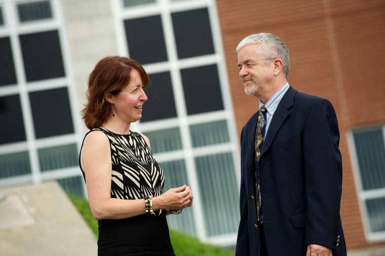 Madeleine Audet et Mario Roy, de la Faculté d'administration, démontrent que le vent peut tourner pour le système de santé du Québec.