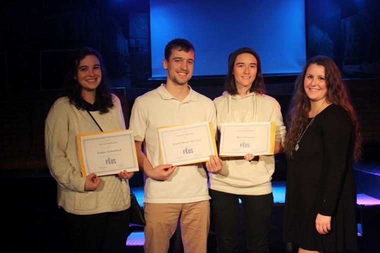 Pauline Archambault, Arnaud Messier-Maynard, Marie Simoneau et Camille Péloquin, vice-présidente à l'engagement étudiant à la FEUS.