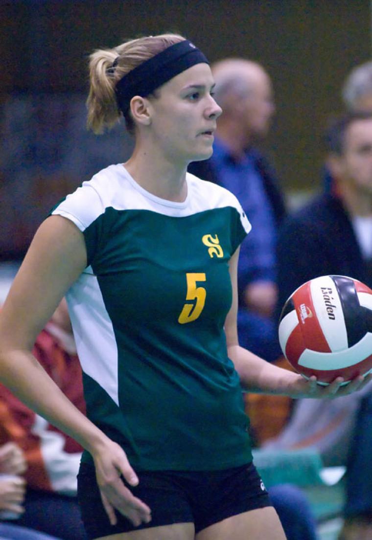 L'attaquante Renée-Claude Chevarie a été sélectionnée au sein de l'équipe d'étoiles au terme de l'Omnium de volleyball des Carabins de l'Université de Montréal.