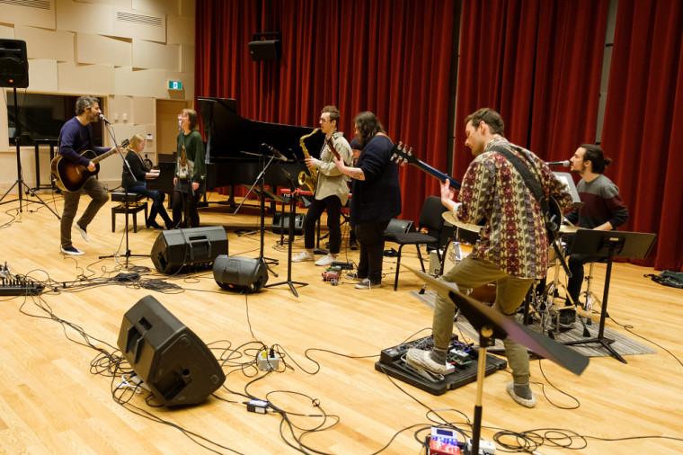 Louis-Jean Cormier donnait une classe de maître le 20 février dernier à l'École de musique de l'Université de Sherbrooke.