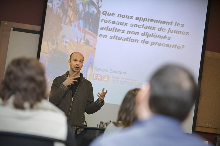Le professeur Sylvain Bourdon, de la Faculté d'éducation, a pris part à la Semaine de la recherche sociale.